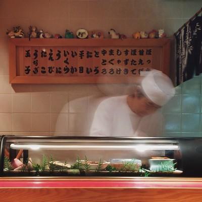 寿司屋の店内風景